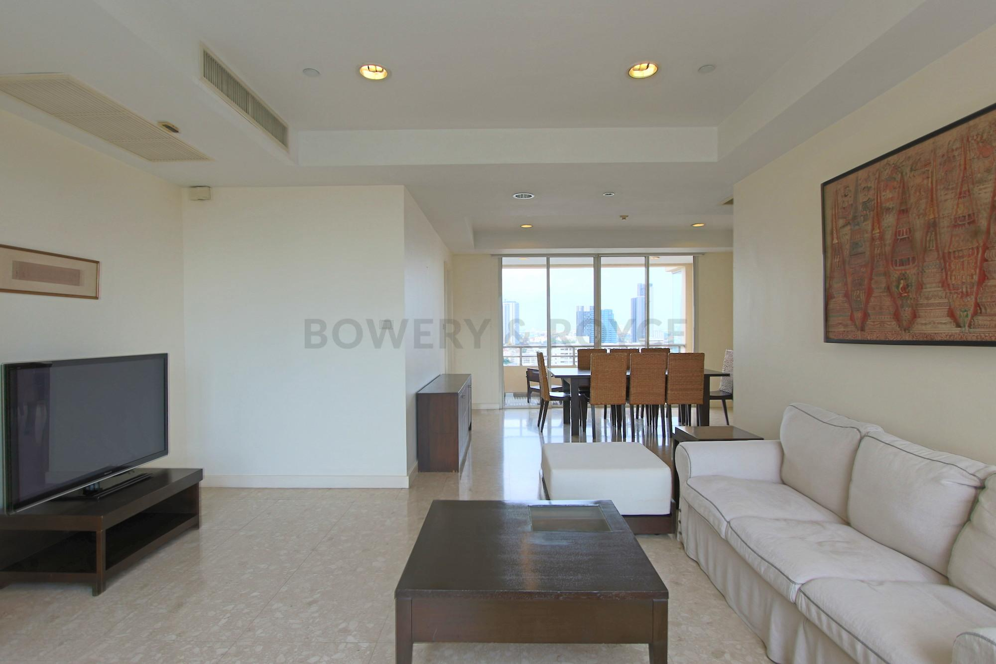 Great-Location-Three-Bedroom-Condo-for-Rent-in-Thong-Lor-2