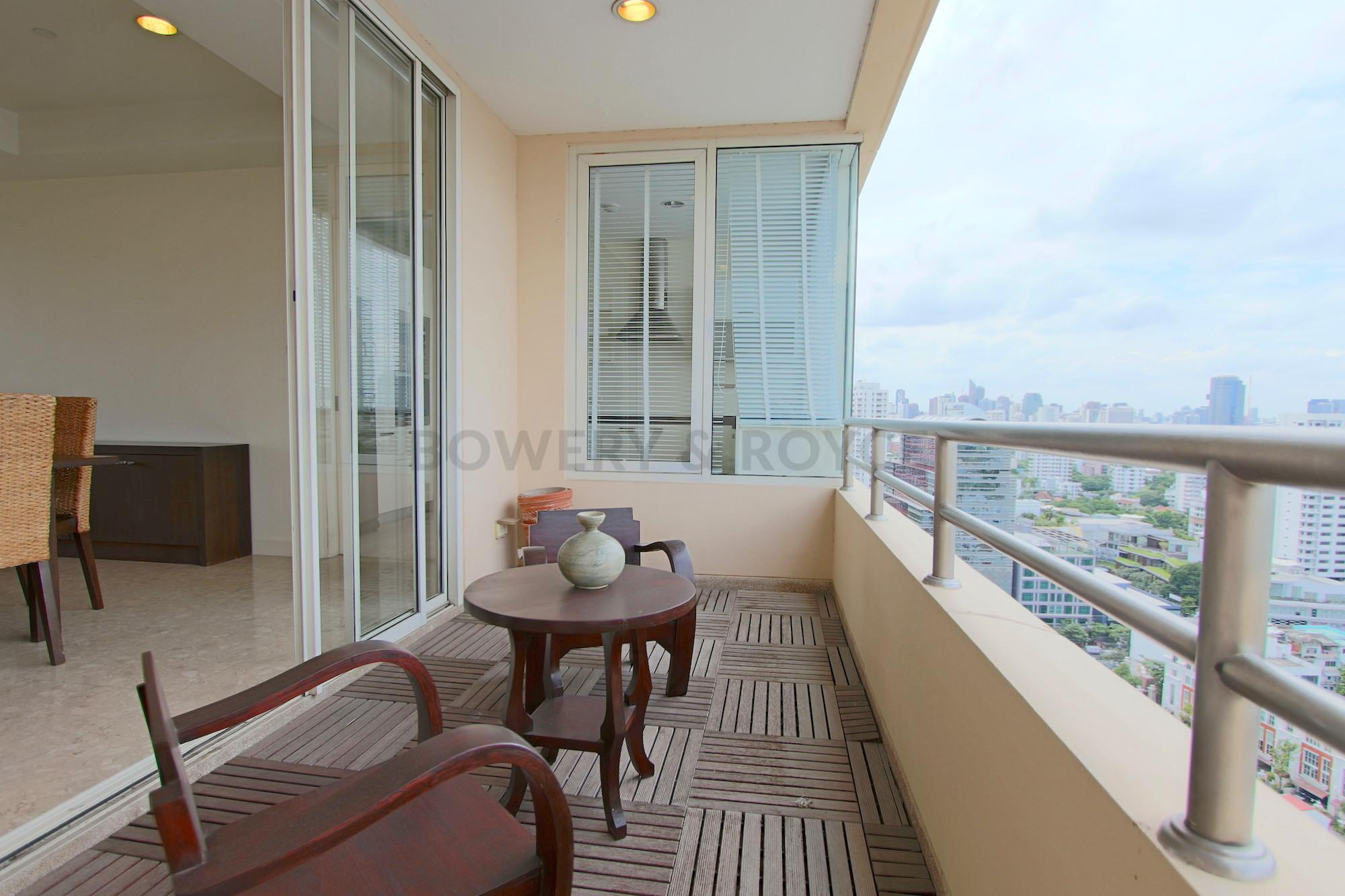 Great-Location-Three-Bedroom-Condo-for-Rent-in-Thong-Lor-6