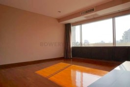 Spacious-Three-Bedroom-Condo-for-Rent-in-Ekkamai-6