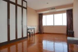 Spacious-Three-Bedroom-Condo-for-Rent-in-Ekkamai-7