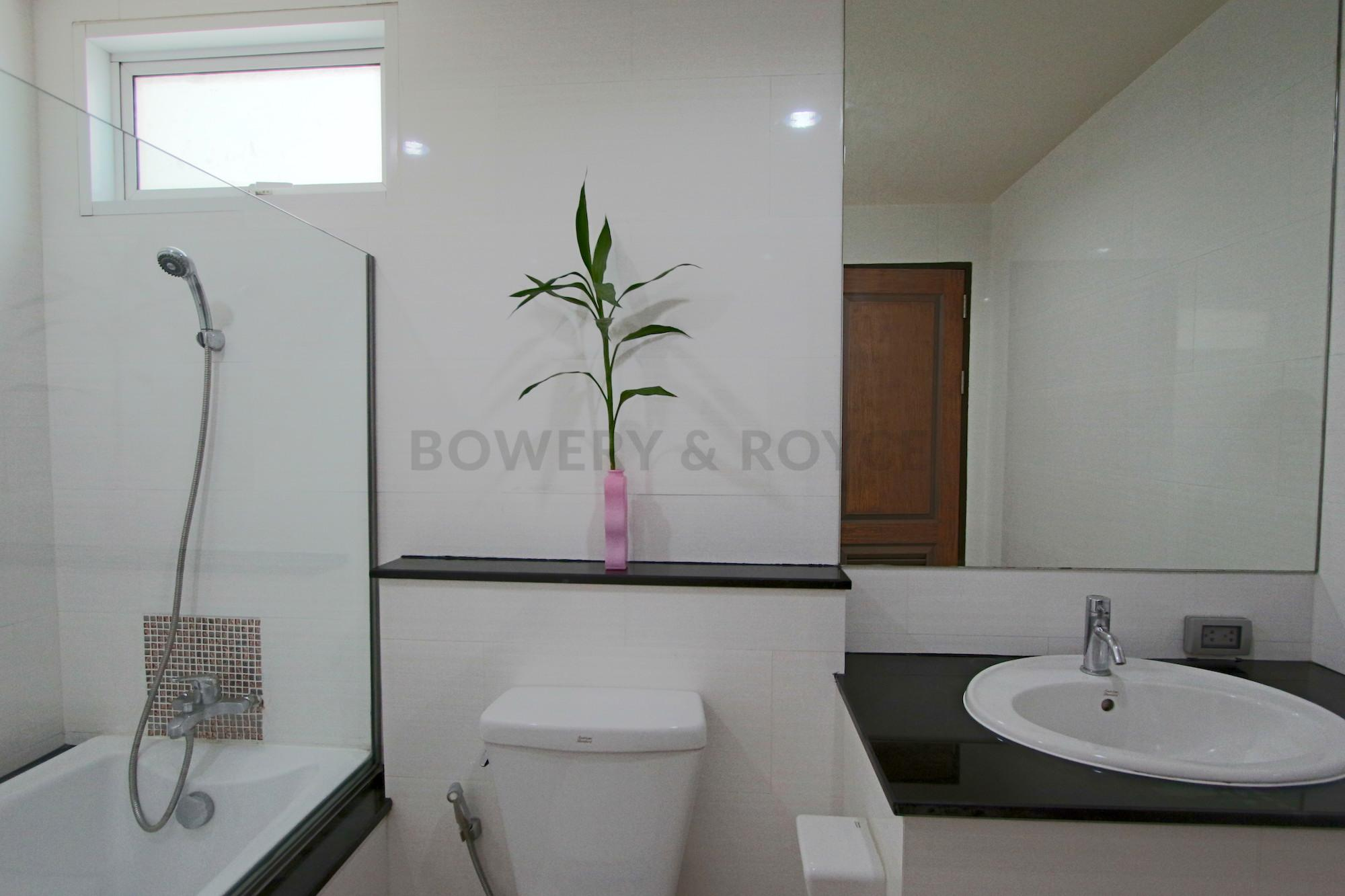 desirable-two-bedroom-condo-for-rent-in-Phrom-Phong-10