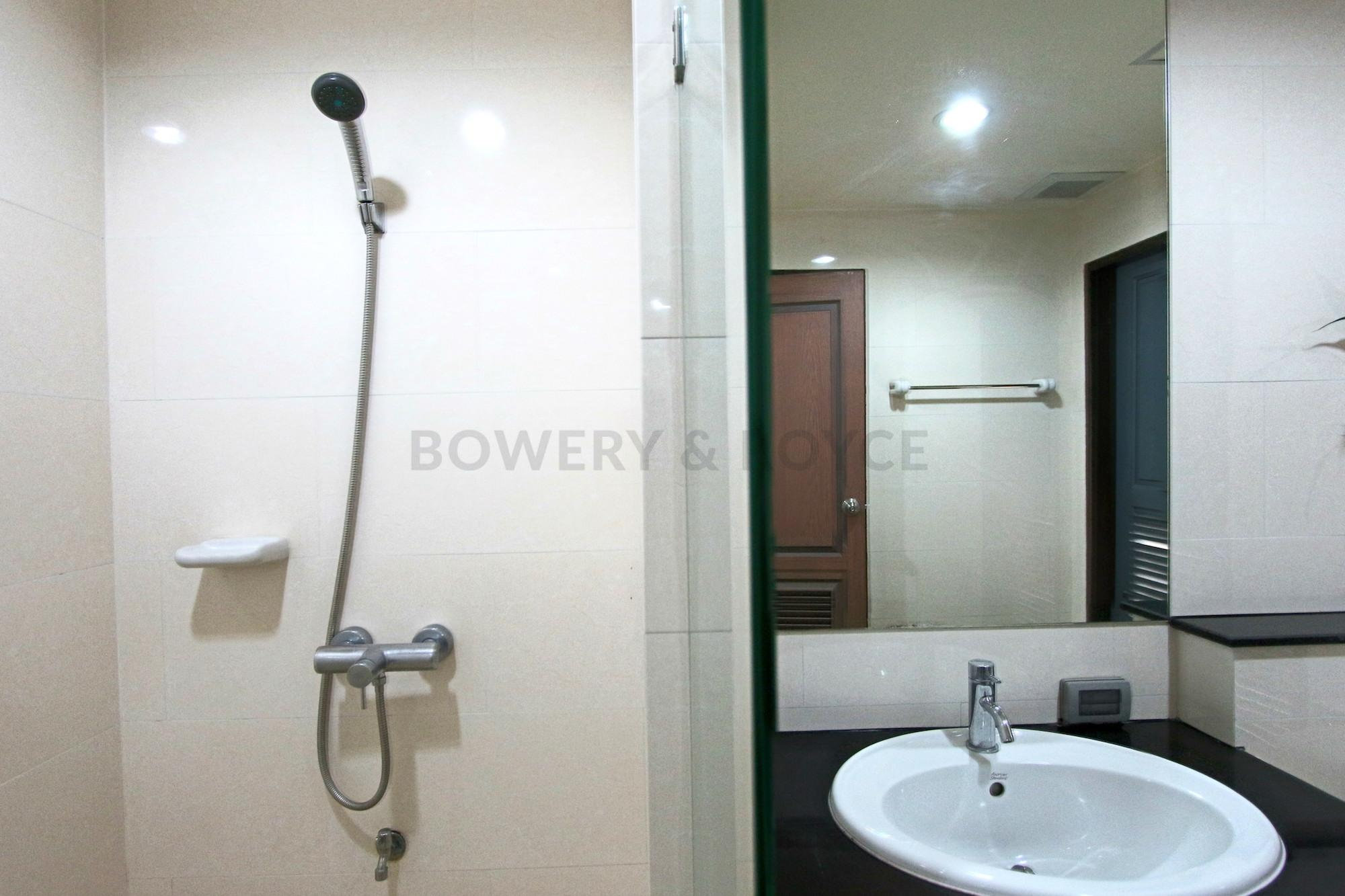 desirable-two-bedroom-condo-for-rent-in-Phrom-Phong-11