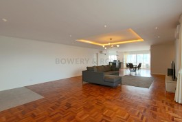 expansive-three-bedroom-plus-maid-condo-for-rent-in-Phrom-Phong-1