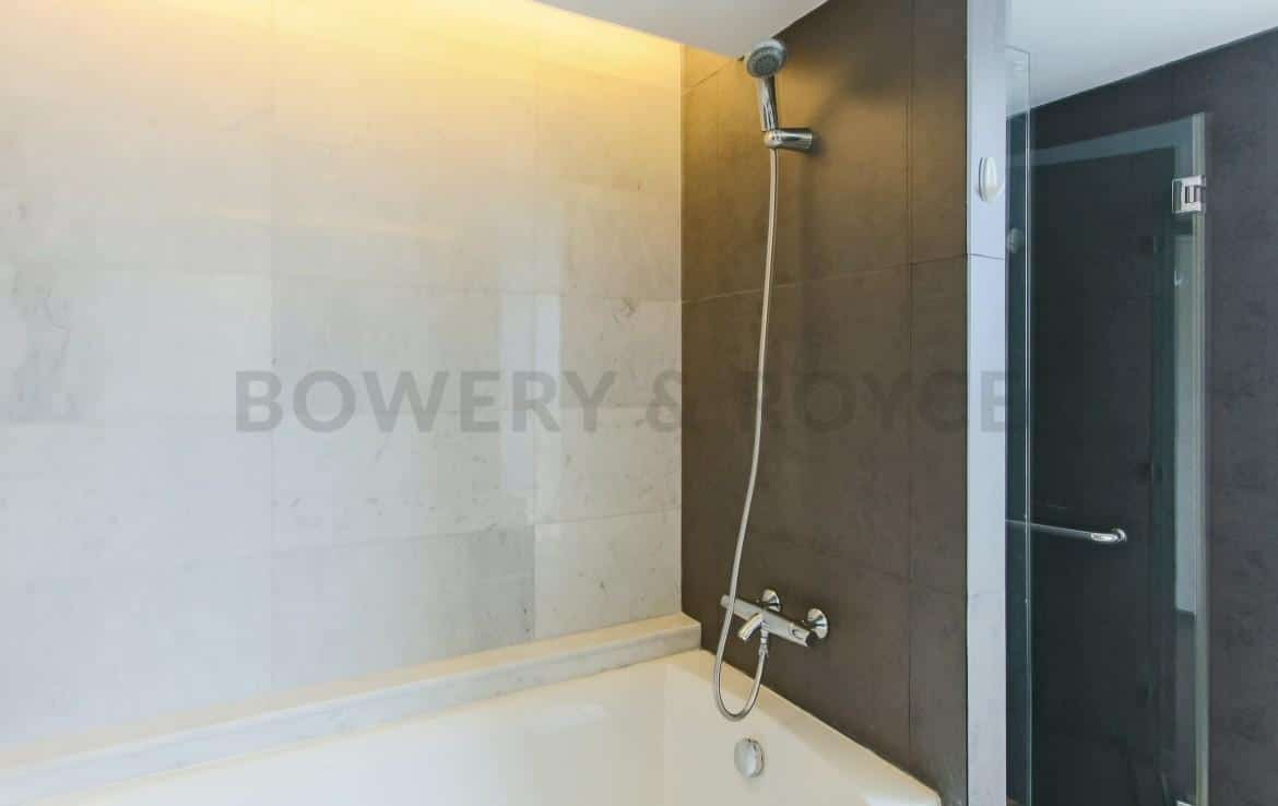 Captivating Three Bedroom Condo For Rent In Thong Lor-16