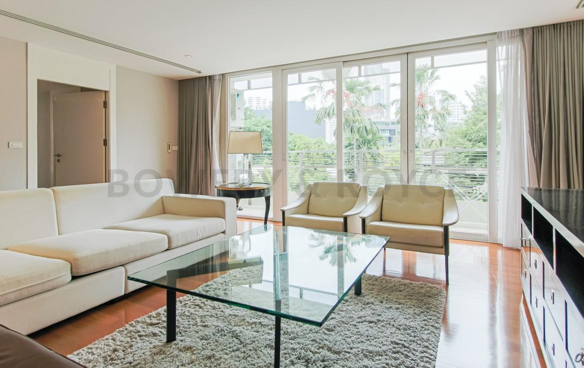 Captivating Three Bedroom Condo For Rent In Thong Lor-4