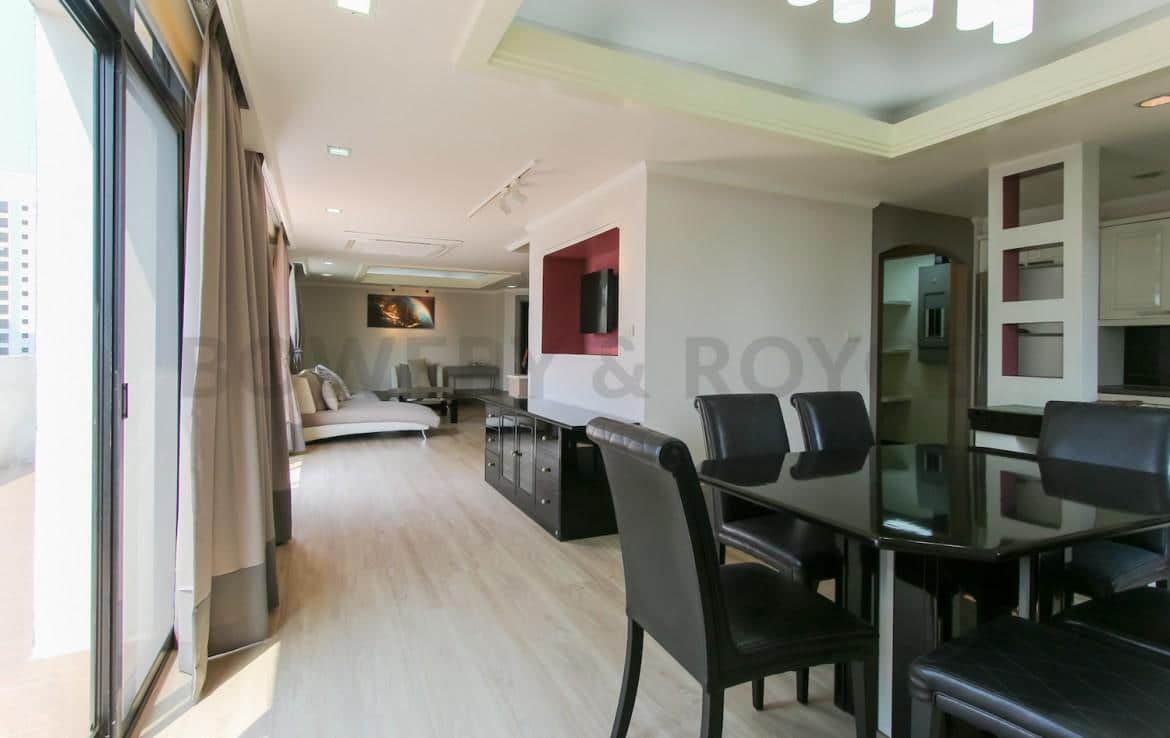Lovely-Two-Bedroom-Duplex-Condo-for-Rent-in-ThongLor-29