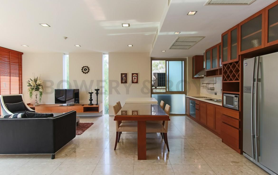Spacious-Two-Bedroom-Condo-for-Rent-in-PhraKanong-4