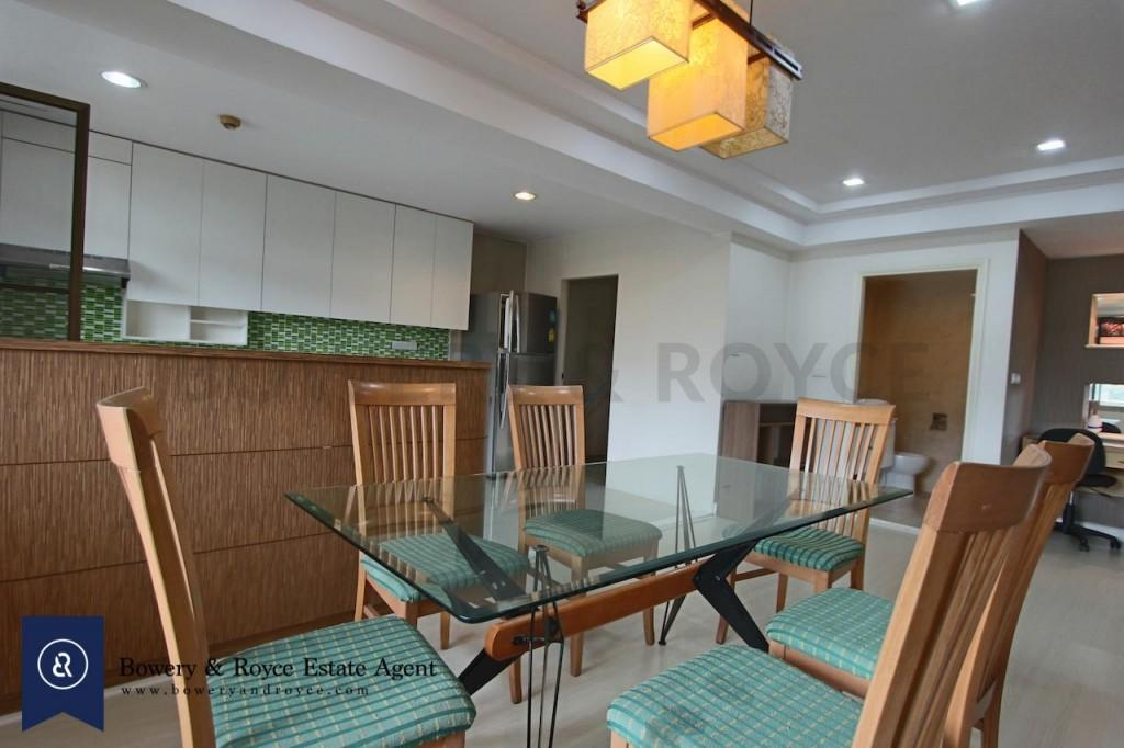 Spacious-three-bedroom-condo-for-rent-in-PhromPhong-4-1024x682