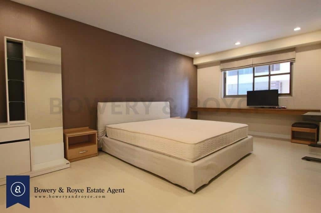 Spacious-three-bedroom-condo-for-rent-in-PhromPhong-5-1024x682