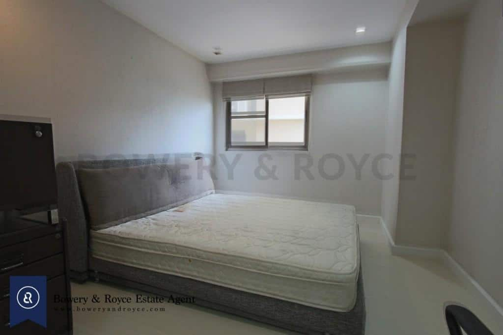 Spacious-three-bedroom-condo-for-rent-in-PhromPhong-6-1024x682