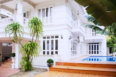 beautiful house for rent in Phrom Phong
