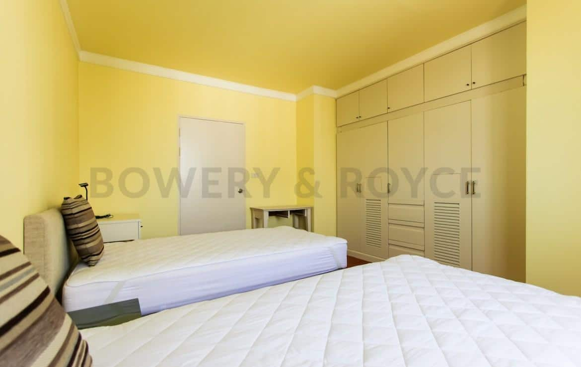 bright two bedroom condo for rent in Thong Lor-14