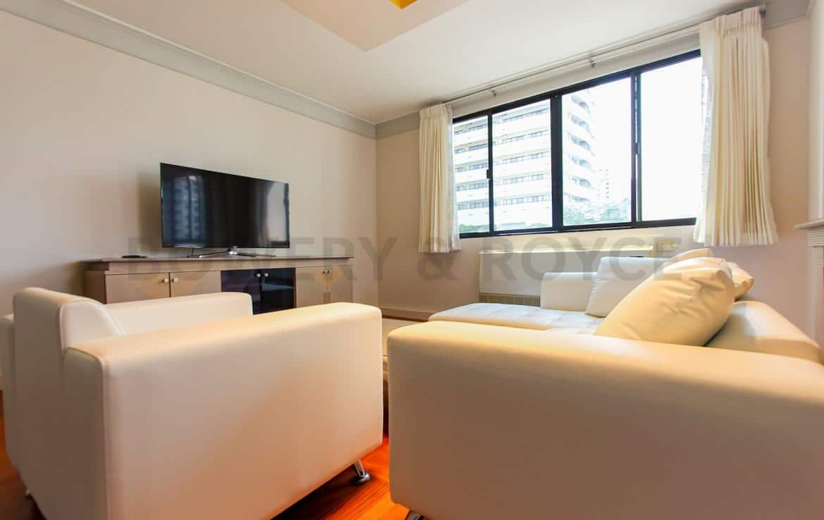 bright two bedroom condo for rent in Thong Lor-7