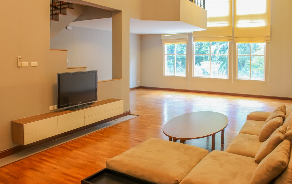 immaculate-four-bedroom-townhouse-for-rent-in-thonglor-4