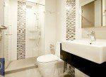 Beautiful-Modern-One-Bedroom-Condo-for-Rent-in-Asoke-bathroom