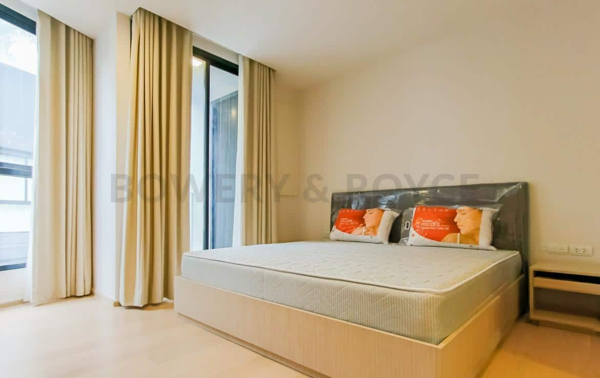 Brand New Three Bedroom Condo for Rent in Thong Lor-6
