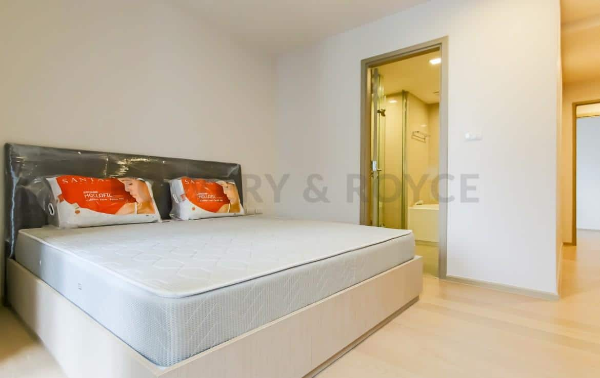 Brand New Three Bedroom Condo for Rent in Thong Lor-7