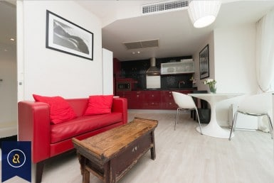 Modern-Studio-Condo-for-Rent-in-Chidlom-sofa-dining-table