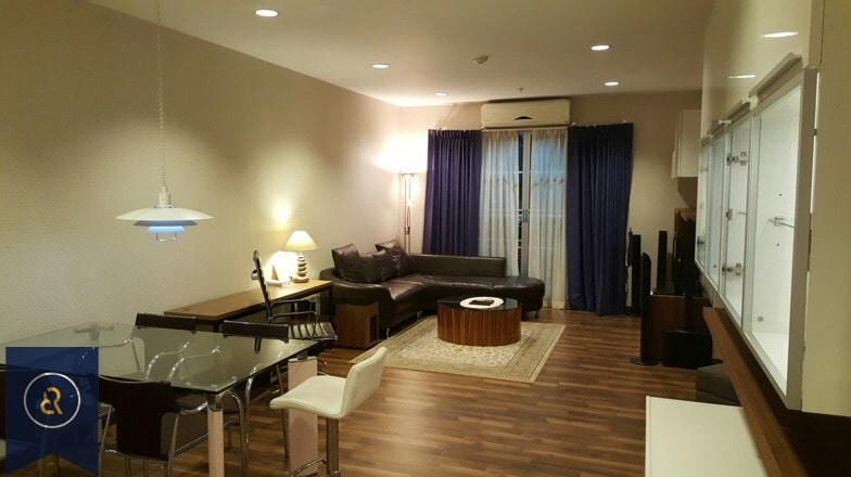 Modern-three-bedroom-condo-for-rent-in-Asoke-1