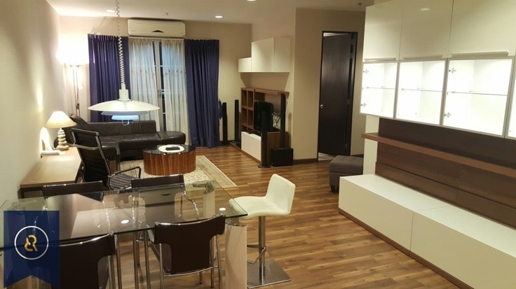 Modern-three-bedroom-condo-for-rent-in-Asoke-2