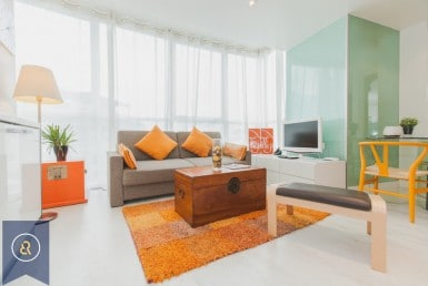 Spotless-one-bedroom-condo-for-rent-in-chidlom-langsuan-Living