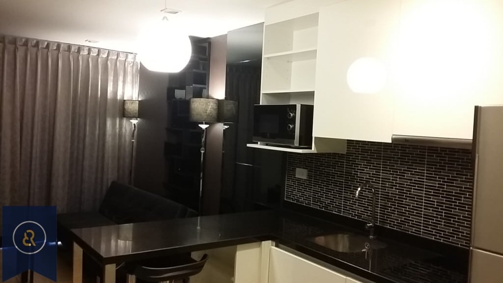 modern-one-bedroom-condo-for-rent-in-Asoke-1-1024x576