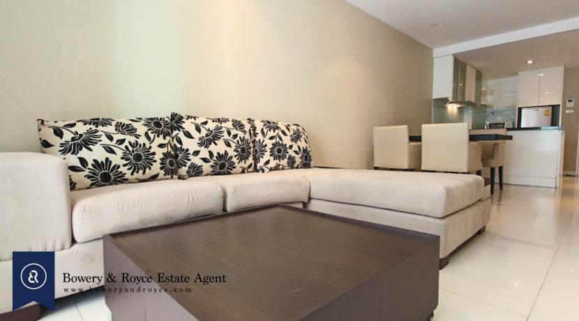 Affordable One Bedroom Condo for Rent in Ekkamai
