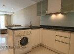 Affordable-One-Bedroom-Condo-for-Rent-in-Ekkamai-5-830x460
