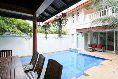 Beautiful Four Bedroom with Private Pool for Rent in Phrom Phong