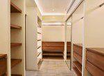 Beautifully Decorated Three Bedroom Condo for Rent in Ekkamai-13
