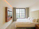 Beautifully Decorated Three Bedroom Condo for Rent in Ekkamai-15