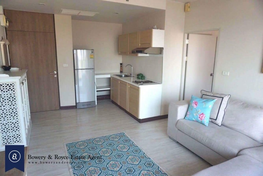 CHIC-ONE-BEDROOM-CONDO-FOR-RENT-IN-THONGLOR-2-1024x684