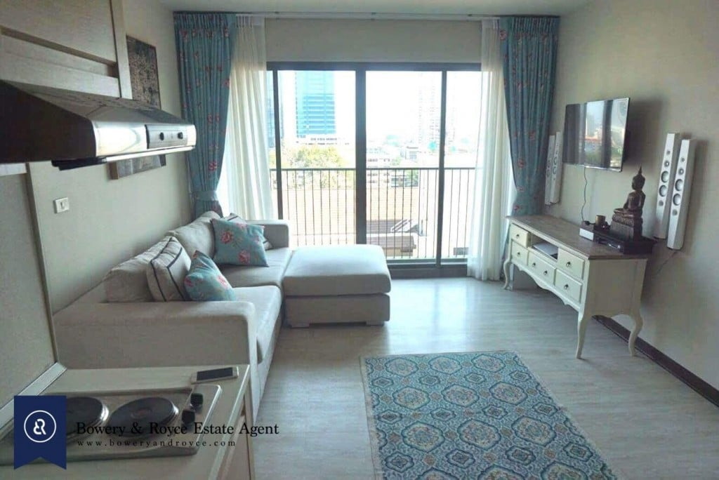 CHIC-ONE-BEDROOM-CONDO-FOR-RENT-IN-THONGLOR-4-1024x684