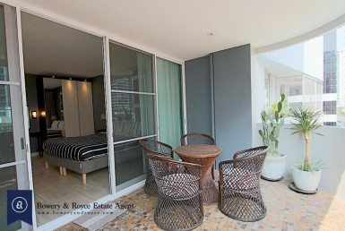 Chic-and-stylish-two-bedroom-condo-for-rent-in-phromphong-8-1-1024x683