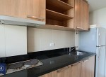 Comfortable-One-Bedroom-Condo-for-Rent-in-Ekkamai-10-kitchen
