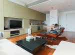 Desirable One Bedroom Condo for Rent in Asoke-3