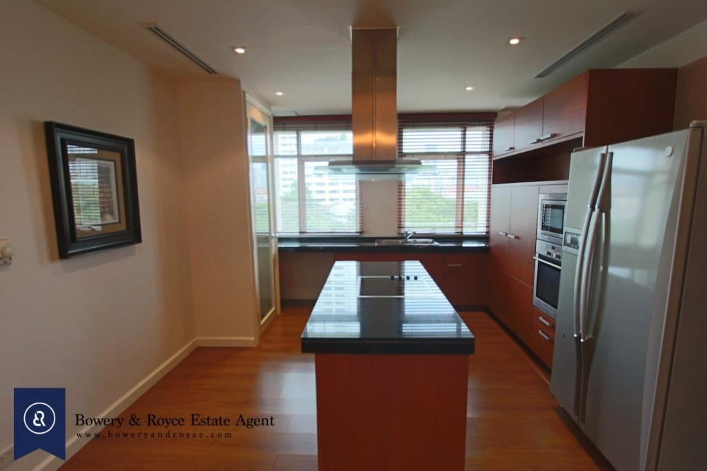 Elegant-Two-Bedroom-Condo-for-Rent-in-Phrom-Phong-11-1024x682