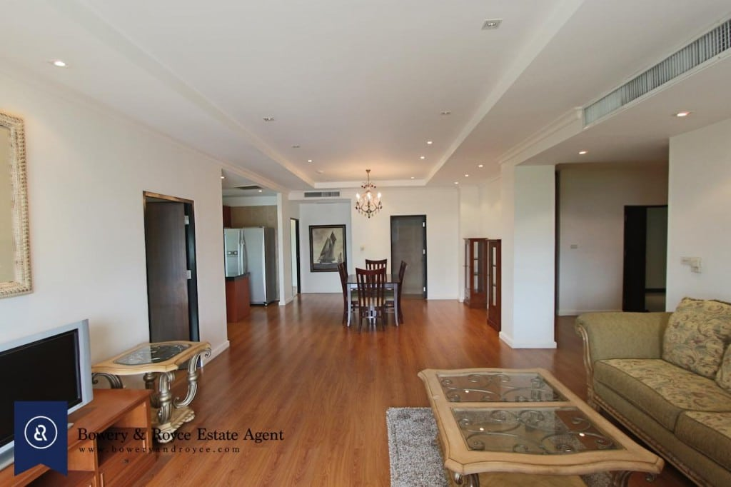 Elegant-Two-Bedroom-Condo-for-Rent-in-Phrom-Phong-2-1024x682