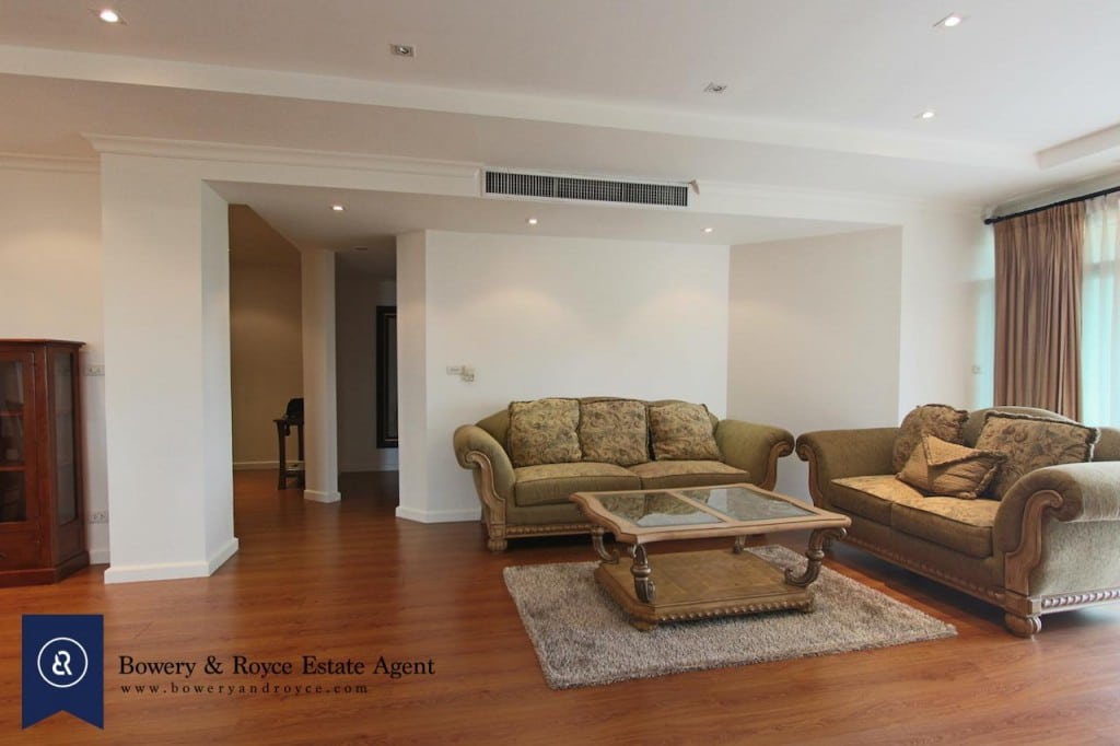 Elegant-Two-Bedroom-Condo-for-Rent-in-Phrom-Phong-3-1024x682