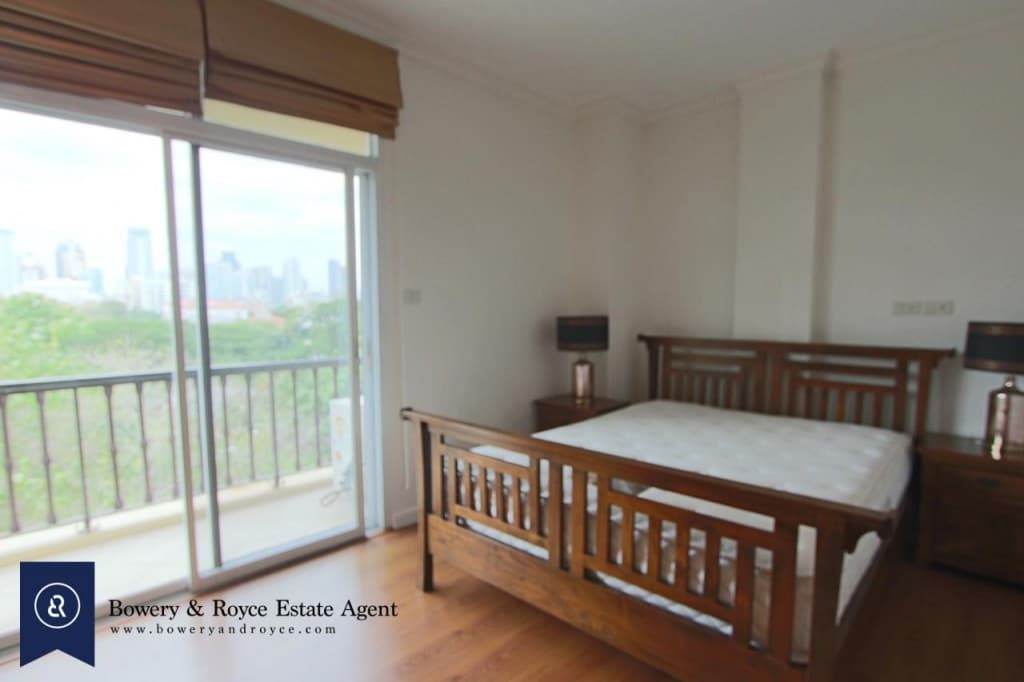 Elegant-Two-Bedroom-Condo-for-Rent-in-Phrom-Phong-7-1024x682