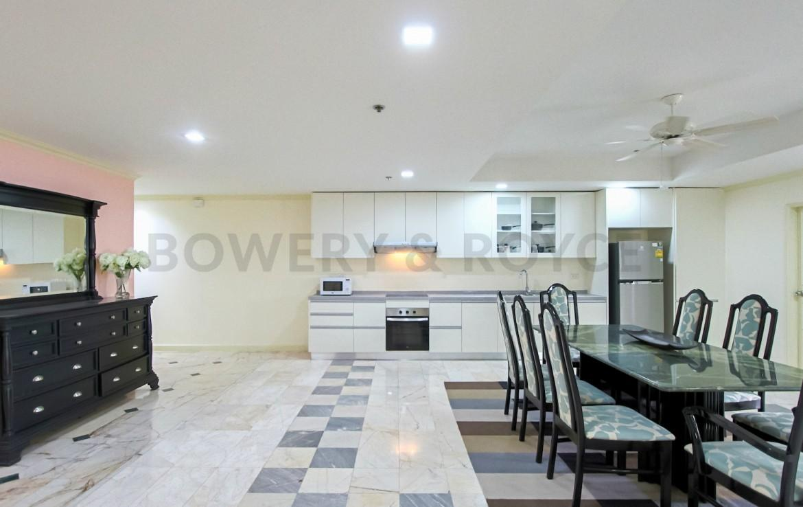 Large Two Bedroom Condo for Rent in Phrom Phong