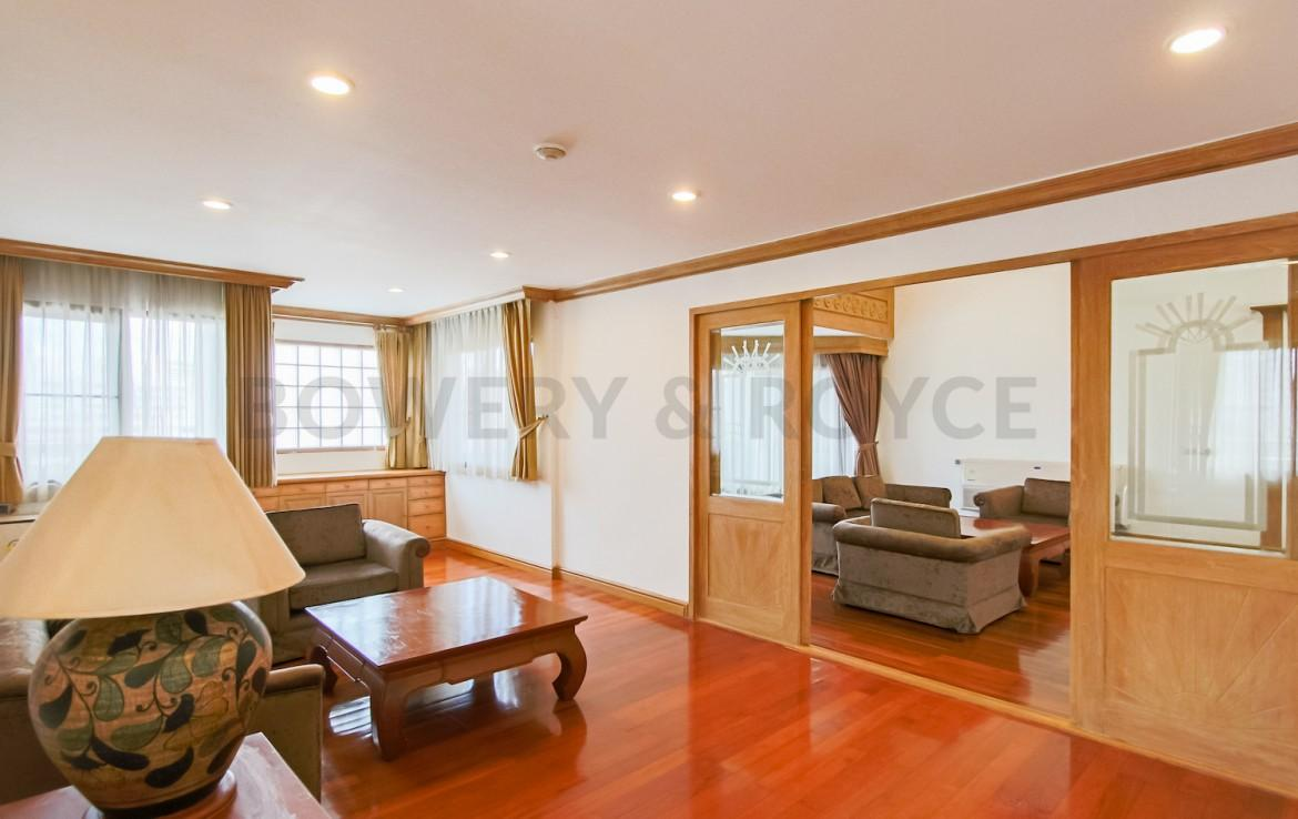 Enormous Five Bedroom Condo for Rent in Phrom Phong