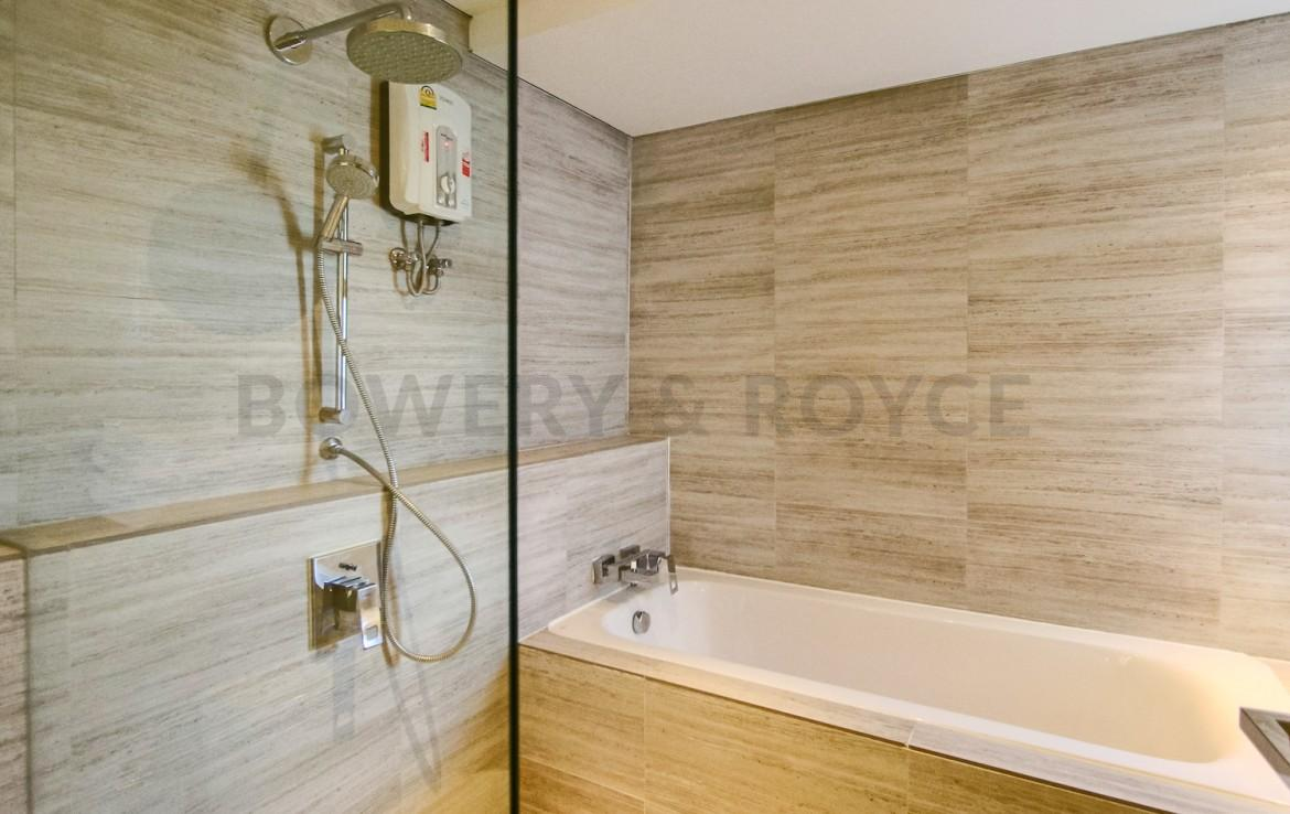 Chic One Bedroom Condo for Rent in Phrom Phong