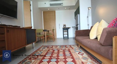 Loft Style One Bedroom Condo for Rent in Ekkamai