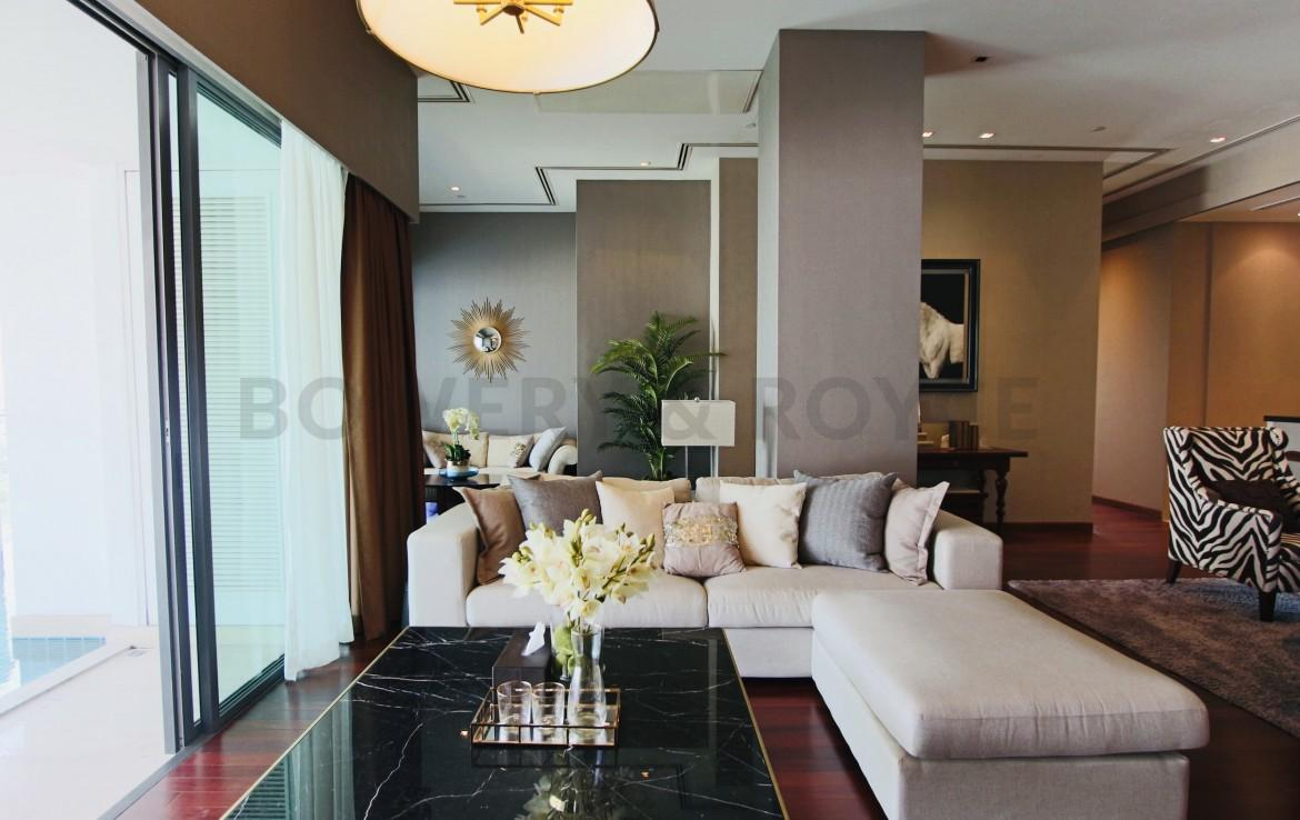 Modern Two Bedroom with Private Pool Condo for rent in Phrom Phong
