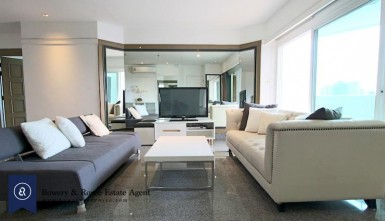 Renovated Three Bedroom Condo for Rent in Thong Lor