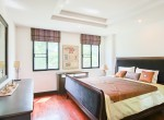 Residential-three-bedroom-townhouse-for-rent-in-phromphong-10