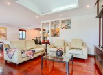 Residential-three-bedroom-townhouse-for-rent-in-phromphong-2