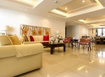 Spacious-Three-Bedroom-Condo-for-Rent-in-Asoke-1-living-room