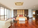 Spacious-Three-Bedroom-Condo-for-Rent-in-Asoke-10-master-bedroom